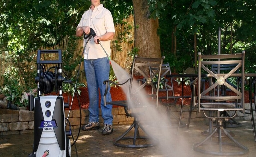 A Quick Guide to Clean with Pressure Washers